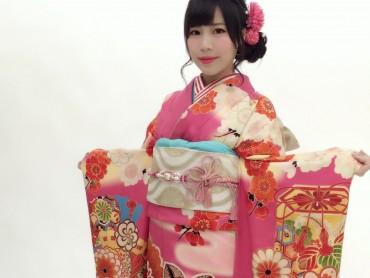 夏休み 振袖フ ェ ア開催チ ュ ウ !!
