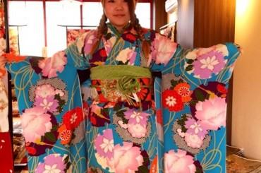 京都で振袖をお探しの方へ【レトロ振袖まだあります。】