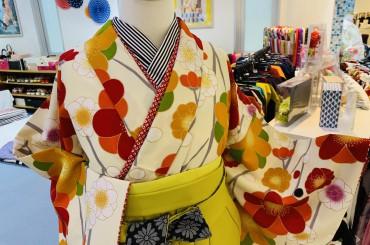 カワイイ小振袖と袴のコーディネート〜袴入荷致しました〜