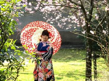 桜の元でロケ撮影♪